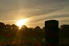 spekt(r)akulr... (Don Bello Photography) Tags: herbst 2016 dnenhof cuxhavenberensch morgenlicht morgenstimmung spektralfarben sonne sonnenaufgang sonnenreflektion sonnenstrahlen himmel himmelsbilder himmelszeichnungen himmelsmalerei panasonicphotographer panasonicfz1000 lumixphotographer lumixfz1000 fz1000 acdsee acdseeultimate9 norddeutschland northerngermany europa reinhardbellmann donbello donbellophotography 2000views 1000views 3000views 50favorites