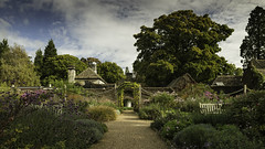 _MG_0216_The Walled Garden Mansion (lee.45) Tags: ardingly england unitedkingdom gb wakehurstplace royalbotanicgardens arboretum garden canoneos6d landscape autumn