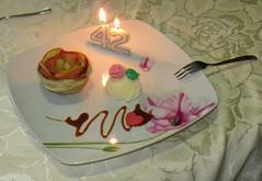 Bon Anniversaire mon chri :-) EXPLORE du 23/10/2016  la place 359. Merci Thanks (Kermitfrog :-D) Tags: glace pomme feuilletage rose dessert vanille caramelaubeurresal nappage rosepommefeuillete anniversaire 42ans