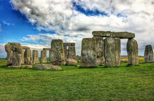 The Historic Stonehenge - #stonehenge #historic #wiltshire #salisbury #england #unitedkingdom #europe #theeuropeancollective #country_features #ig_countryside #the_home_front #everything_home_front #mysterious #scene #scenery #scenic #view #landscape #lan