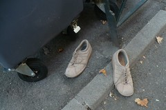 (mistigree) Tags: chaussure toulouse objettrouv