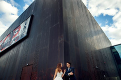 ich liebe solche rostigen stahlmuster. da musste ich gleich ein schickes Hochzeitfoto machen. :D #hochzeitsfotograf #hochzeit #hochzeitsfotografie #hochzeitsplaner #braut #braut2017 #hochzeit2017 #heiraten #destinationwedding #hochzeitsreportage #hochzeit (hochzeitsfotograf.stuttgart) Tags: hochzeitsfotograf hochzeitsfotografie hochzeit hochzeitsbilder braut brutigam brautpaar photoshop lightroom fotograf photographer photography wedding weddingphotographer bride groom couple