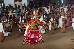 Theyyam On The Sand in Kerala (Anoop Negi) Tags: kerala india kannur negi photo photography theyya theyyam dance