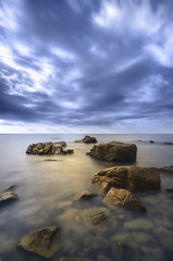 Existe la magia? (Ramirez de Gea) Tags: calallevadó mar cielo sky rocas hdr tokinaaf1224mmf4