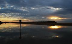 ALBA (Franzxx70) Tags: outdoor dawn beach spiaggia sea mare onde waves sun sole mattinata morning sky cielo riflessi reflexes shadows ombre