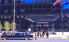 The Hotel Millenium Hilton in Manhattan (1995), New York. (eustoquio.molina) Tags: manhattan new york calle urban hotel millennium hilton architecture arquitectura limousine limosina cristal