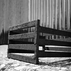 Box (Coerulus) Tags: bw 6x6 tlr film mediumformat blackwhite squareformat vintagecamera ilfordxp2 ei400 1950 rolleiflexautomat6x6 3575mmtessartwinslensreflex rolleiflexmxmodel1