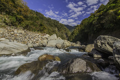 (jineminglee180) Tags: sky tree green yellow stone waterfall   tokina1224mm   canoneosm