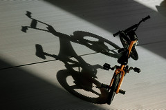 Shadow (Jacint) Tags: bmx toy juguete miniatura shadow