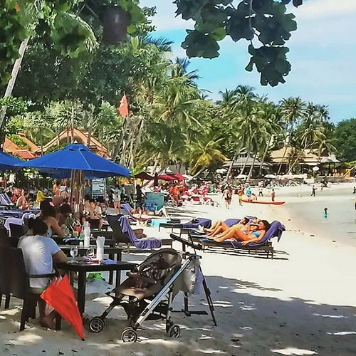 Chaweng Beach, Koh Samui, located on the east coast is the islands most popular beach. #samui #beach #Thailand #kohsamui