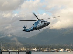 C-GHUW S76A approach (kitmasterbloke) Tags: vancouver britishcolumbia canada heliport helijet sikorsky s76aspirit