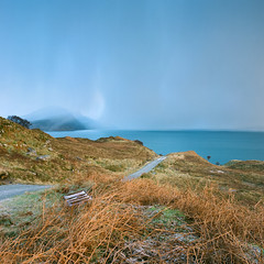 Roads of Skye - Fuji Pro 160NS (magnus.joensson) Tags: scotland isle skye hasselblad 500cm zeiss distagon 60mm cfi fuji pro 160ns c41 road sunrise