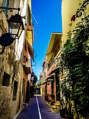 Rethymno_Ally_Medium (schukri) Tags: greece greek honeymoon eurotrip europe mediterranean ally rethymno latern lanterns ivy oldtown