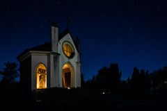 Starry night with candlelight (Sucherauge) Tags: candle candlelight night nightshot heaven chapel cemetery cemeterychapel church sacred sacredbuilding catholic