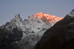 The sun kiss (giorgiorodano46) Tags: ottobre2016 october 2016 giorgiorodano nikon sunrise montblanc montebianco entrves valdaosta valledaoste italy alps alpes alpi alpen pink aurora aurore alba aube dusk sunup sonnenaufgang
