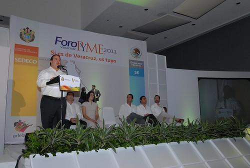 """El gobernador Javier Duarte de Ochoa inauguró el Foro PYME """"Si es de Veracruz, es tuyo"""" 4"""
