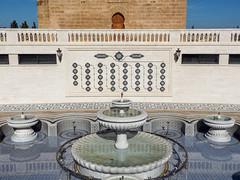 Fointaine Place Hassan (A.B.S Graph) Tags: hassan rabat morocco maroc oudaya tour rbat mosulem mohammed 5 mosque mosque noir blanc ombre rabt