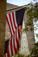 Flagge zeigen (philunblogged) Tags: street nyc ny newyork canon streetphotography streetlife canondslr canoncamera canon24105l newyorkstateofmind canon6d nychighlights canonofficial nycexplorers nycoriginals