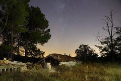 Ruinas y estrellas (_Alejandro Jos) Tags: longexposure sky night stars noche ruins ruinas cielo estrellas nocturna largaexposicin largaexposicion