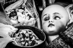 Visiting the doll doctor in Nice, France 24/8 2015. (photoola) Tags: blackandwhite france monochrome nice doll bambini kinder niños kind niño sv dziecko bambino lapset дети lapsi ребенок dockor antikt coursaleya dziecki photoola