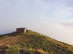 Pico da Barrosa (MayU Mi) Tags: portugal clouds brouillard azores saomiguel iphone picodabarrosa vscocam serradaaguadepau