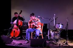 Ernst Glerum & Jasper Stadhouders 7467-4_8724 (Co Broerse) Tags: music composedmusic contemporarymusic jazz jazzfest jazzfestamsterdam amsterdam 2016 studiok cobroerse ernstglerum doublebass jasperstadhouders guitar
