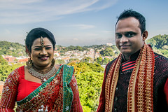 Pre wedding shoot (Channed) Tags: kandy srilanka azië asia portrait portret preweddingshoot shoot photoshoot wedding brideandgroom bride groom arthurseat viewpoint chantalnederstigt couple pair channedimages