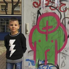 2015.11.21 (maximorgana) Tags: street pink tree green art bar ray dirty jeans jumper cartagena juanjo terraza
