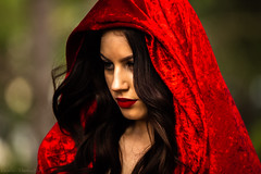 Red riding hood (Theresa Hall (teniche)) Tags: model beauty canberra canberraaustralia canon canon5dsr 5dsr femalemodel beautiful capital capitlcity arboretum forest emilytokic fashion fashionintheforest canoncollective canoncommunity trees redridinghood littleredridinghood