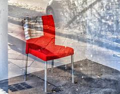 Schrödinger's Chair (Silke Klimesch) Tags: spiegelung reflection reflet rispecchiamento reflejo reflexo chair stuhl chaise sedia silla cadeira rot red rouge vermelha roja rosso geschirrtuch dishtowel gestreift striped car auto voiture automóvel schrödingerskatze schrödingerscat olympus omd em5 analogefexpro nik