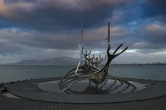 Sun Voyager (Chipyluna) Tags: boat sunvoyager mountains sculpture sky clouds landscape iceland reyjkavik beautiful views nature colours horizon mountain sea trip holiday nikon nikond3200 d3200 aluminium simplysuperb