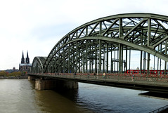 (2016) (040) (krlo_Ox) Tags: hohenzollernbridge klnerdom colognecathedral cologne kln germany lock padlock lovepadlock rhine river panoramic depth civilarchitecture train spiral krloox
