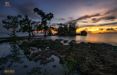 The DarkSide of Oge (Jose Hamra Images) Tags: batuoge pantaibatuoge pasangkayu sunset sunrise sulawesi sulawesibarat mamuju palu indonesia landscape longexposure seascape sea