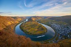 Moselle river bend (Guido F.J. Ehlers - gfje) Tags: sony900 sony dslra900 deutschland autumn autuno herbst mosel fiumemosella rivermoselle nature natur outdoor sal1635z