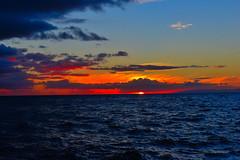 Sun setting off Napali Coast (Idahobill2008) Tags: sun setting off napali coast kauai hawaii