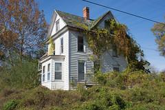 Abandoned House, Federalsburg, Maryland (adamkmyers) Tags: federalsburg easternshore abandoned oncewashome