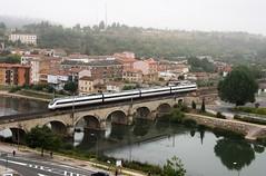 INTERCITY 631 (Andreu Anguera) Tags: mirandadeebro puente niebla tren120 intercity631 valladolidbarcelona burgos castillayleón andreuanguera