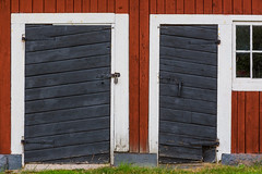 Sevedstorp (ArweBar) Tags: sevedstorp door tr porte porta wood wooden holz legno traditional traditionell red rot rouge rosso canon canoneos5dmarkiii ef2470 flickrelite