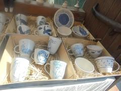 234 (en-ri) Tags: tazzine bianco blu ceramica cassa sony sonysti