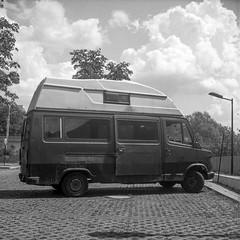 Warsaw, Poland. (wojszyca) Tags: yashica mat 124g tlr 6x6 120 mediumformat kodak 400tx trix 400 hc110 h 163 gossen lunaprosbc epson 4990 car auto van bus soloparking decay abandoned wreck