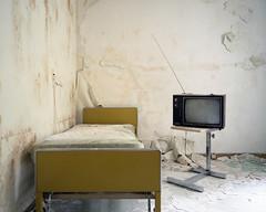 (.tom troutman.) Tags: kodak portra 400 mamiya 7 film analog 120 6x7 50mm mediumformat abandoned hospital nj