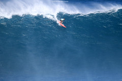 IMG_3056 copy (Aaron Lynton) Tags: surfing lyntonproductions canon 7d maui hawaii surf peahi jaws wsl big wave xxl