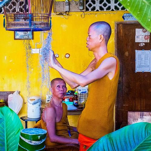 Everydaylife - #Temple#Hua Hin#street#hansmathisen#Thailand#norwegianstreet#olympusomd#olympusNorge#streetphotography#streetart#budist  www.hansmathisen.no