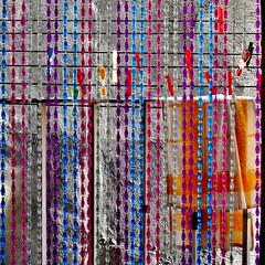 panni stesi (archifra -francesco de vincenzi-) Tags: square italia balcony minimalism balcon balcón clothespins carré molise isernia ropatendida minimalisme minimalart clotheshanging pincesàlinge pinzasdelaropa archifraisernia francescodevincenzi vêtementssuspendus