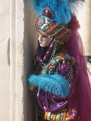 IMG_20151030_212017 (gegiaciquita) Tags: carnival venice colorful looking feather mak colum