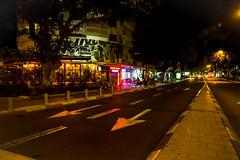 empty (torivonglory) Tags: street city urban night telaviv nacht leer lane stadt pfeile