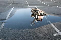 Difficile de garer une Abeille sur une place de parking! (Jakezjr) Tags: france bretagne reflet brest finistere remorqueur abeillebourbon portdecommerce