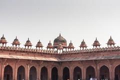 Jama Masjid, Fatehpur Sikri (ghostwheel_in_shadow) Tags: india asia delhi muslim islam religion fatehpursikri mosque cupola dome spirituality masjid jamamasjid mughal uttarpradesh publicarchitecture architecturalelement religiousarchitecture nationalcapitalterritory architectureandstructures