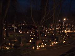 Christmas at The Graveyard (Simon Finland) Tags: christmas xmas light graveyard finland candle olympus nightime f18 porvoo 25mm ep1 the