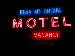 One last stay at the Bear Mountain Bridge Motel. (63vwdriver) Tags: bear new york bridge mountain ny sign night vintage us neon fort steel motel route montgomery lit lighted 9w